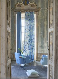 The perfect fabric for beautiful curtains, fabr Decoration Gris, Ocean Fabric, Beach Cottage Decor, Interior Decorating, Interior Design, Decorating Ideas, Blue Rooms, Designers Guild, Home Decor Fabric