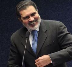 Tony Gel é o favorito em pesquisa de intenção de voto em Caruaru http://www.jornaldecaruaru.com.br/2015/12/tony-gel-e-o-favorito-em-pesquisa-de-intencao-de-voto-em-caruaru/