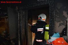 Berufsfeuerwehr Wien: Zimmerbrand im Dachgeschoss #feuerwehr #firefighters