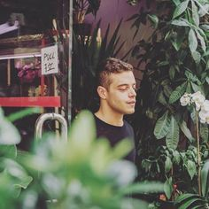 Mr Robot: Elliot Alderson played by Rami Malek {candid shot} #MrRobot…