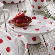 Red polka dots + cake plate = awesome!