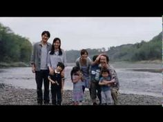 "Forced to make a life-changing decision, to choose between ""nature"" and ""nurture"". 映画『そして父になる』予告編"