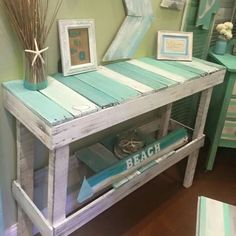 Wooden Pallet Projects 200 lavish Pallet Wooden Project Ideas for a Tranquil Life Wooden Pallet Projects, Wooden Pallet Furniture, Wooden Pallets, Painted Furniture, Diy Furniture, Pallet Wood, Beach Furniture Decor, Furniture Cleaning, Furniture Storage