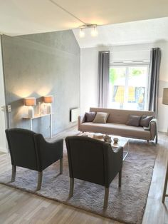 Salon bleu, salon style campagne, salon chaleureux, salon cosy http://labottesecrete.fr/