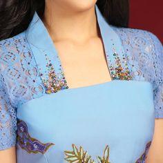 Kebaya Modern Dress, Kebaya Dress, Model Dress Batik, Batik Dress, Stylish Dresses For Girls, Frocks For Girls, Batik Fashion, Skirt Fashion, Neckline Designs