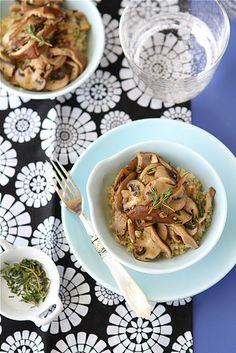 Clean Eating Recipe Box: Sauteed Mushrooms with Marsala Wine & Thyme Marsala Mushrooms, Marsala Recipe, Thyme Recipes, Marsala Wine, Sauteed Mushrooms, Lunches And Dinners, Clean Eating Recipes, Recipe Box, Recipe Ideas