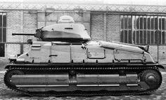 SOMUA S 35 Этот же танк с левого борта. На подбашенной коробке виден литой номер, который говорит о том, что это шасси №3 - Лучший французский танк предвоенного периода   Военно-исторический портал Warspot.ru