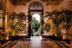 Destination wedding no Parque Lage: Amy Terry + Basil Mavroleon - Constance Zahn | Casamentos