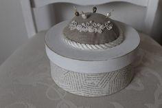 Nähkästchen & -körbe - Shabby Box*Schatulle - ein Designerstück von vintage_Schop bei DaWanda