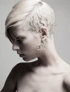 Jerry Szor Contemporary Jewelry: How do you feel about ear accents that have gone beyond the traditional earring? Headpiece Jewelry, Hair Jewelry, Body Jewelry, Jewelry Art, Jewelry Accessories, Fine Jewelry, Vintage Jewelry, Skull Jewelry, Western Jewelry