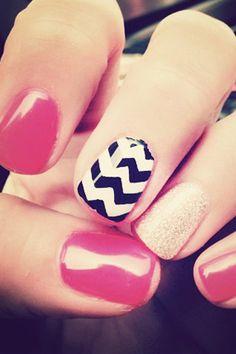 Sparkly Accent Nail, glitter, glitz blitz, accent nail, chevron nail