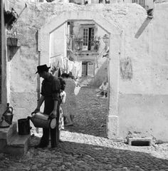 "Artur Pastor was a Portuguese photographer who was born in Alter do Chão, in the southern region of Alentejo. He was known by his peers as the ""Poet of Photography"". Here are some of his pictures of Lisbon in the Enjoy! Photography Tours, Vintage Photography, Old Pictures, Old Photos, Most Beautiful Cities, Beautiful Things, Algarve, Antique Photos, Portuguese"