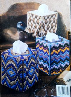Bargello Patterned Tissue Box Cover  Made Of Plastic Canvas