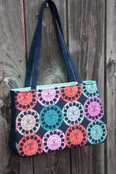 This FREE bag pattern was written for Olfa's website, and you can see the pattern for the Baker...