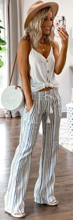 50 beliebte Sommeroutfits, die du haben musst – Outfits – 50 popular summer outfits you need to have – outfits – have stylish summer trendy summer outfitTeen clothes. Discover d Fashion Mode, Look Fashion, Fashion Hats, Womens Fashion Outfits, Fashion Trends, Prep Fashion, Fashion Accessories, 2000s Fashion, Fashion Sandals
