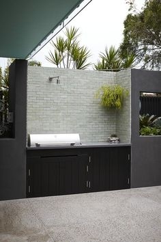 Award-Winning Landscape, Rooftop & Balcony Garden Design Projects from Sydney Landscape Designer, Stylist & Horticulturist Adam Robinson Outdoor Spaces, Outdoor Living, Outdoor Decor, Outdoor Kitchens, Patio Design, Garden Design, Barbacoa Jardin, Exterior Gris, Built In Bbq