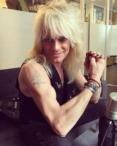 Just spent my morning in the company of one of the last rock 'n' roll outlaws: Mr. Michael Monroe. This guy IS rock 'n' roll. A true original & a real gentleman. #MichaelMonroe #HanoiRocks #RockNRoll