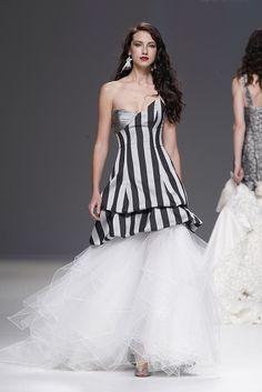 Hoje o meu vestido de noiva preferido é… preto! De Jordi Dalmau 2013
