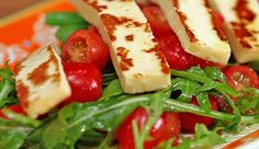 Grilled Halloumi, Snow Pea and Green Bean Salad - Good Chef Bad Chef Chef Recipes, Vegetarian Recipes, Cooking Recipes, Healthy Recipes, Healthy Foods, Salad Recipes, Healthy Eating, Weight Watchers Salad, Grilled Halloumi