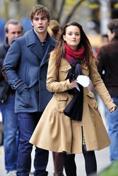 Leighton Meester and Chace Crawford Photos Photos: Kevin Zegers Films 'Gossip Girl' Gossip Girl Blair, Gossip Girls, Moda Gossip Girl, Estilo Gossip Girl, Blair Waldorf Gossip Girl, Gossip Girl Outfits, Gossip Girl Fashion, Gossip Girl Style, Blair Waldorf Outfits