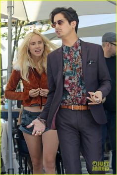 Suki Waterhouse Lunches With Avan Jogia Before Sharing Creepy Selfie