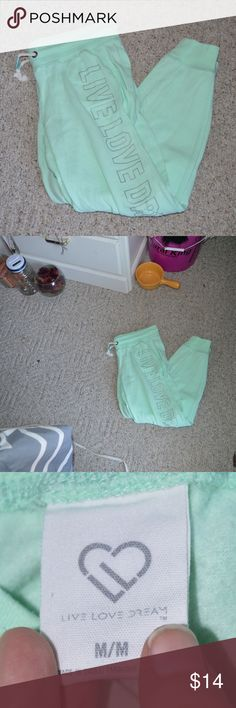 *PRICE DROP** Mint Green Joggers with Pockets Mint Green Joggers with Pockets Aeropostale Size MEDIUM  Smoke free home Feel free to make an offer! Live Love Dream by Aeropostale Pants Track Pants & Joggers