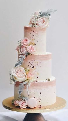 The Prettiest & Unique Wedding Cakes We've Ever Seen 59 unique wedding cake designs, unique wedding cakes, pretty wedding cake, simple wedding cake ideas, modern wedding cak. Pretty Wedding Cakes, Black Wedding Cakes, Wedding Cakes With Cupcakes, Elegant Wedding Cakes, Elegant Cakes, Wedding Cake Designs, Wedding Themes, Wedding Colors, Wedding Blog