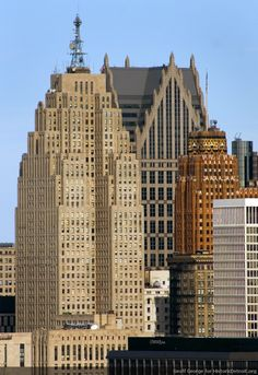 More jaw-dropping Detroit architecture. This one is Detroit's Penobscot Building via HistoricDetroit.org