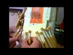 Bolillos. Cierre en recto por Agosto2 Lacemaking, Bobbin Lace, Youtube, Triangle, Labor, Tatting, Arizona, How To Make, Roses