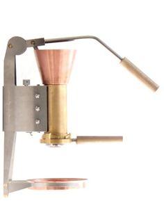 ES3 Espressomachine van Wouter Strietman, een Picasso in je keuken: www.gimmii.nl/keuken/es3-espressomachine-espressostrietman/ Live gespot op de Salone de Mobile 2014, Milaan.