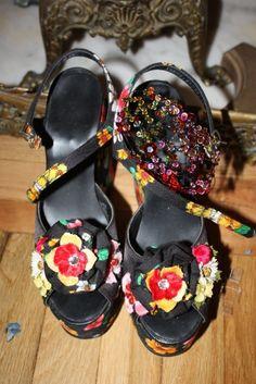 Purely Patricia Fox For StyleLikeU  patriciafoxdesign.com #Home #stylist #interior #designer #whimsical #luxury #interiordesign #interiordesigner #shoes #floral #flowers