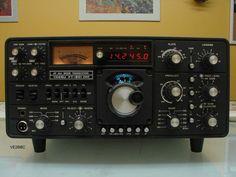 Yaesu Radio, Radio Amateur, Radios, Antique Radio, Ham Radio, Tactical Gear, Tvs, Electronics, History