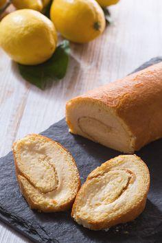 Siete alla ricerca di un #dessert fresco perfetto per concludere in bellezza una cena primaverile? Il #rotolo al #limone è la ricetta che fa per voi! ( #lemon #roll ) #Giallozafferano #recipe #ricetta #cake