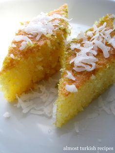 Almost Turkish Recipes: Semolina Sponge Cake (Revani) – cooking recipes Turkish Sweets, Greek Sweets, Greek Desserts, Sweet Recipes, Cake Recipes, Drink Recipes, Delicious Recipes, Semolina Cake, Semolina Recipe