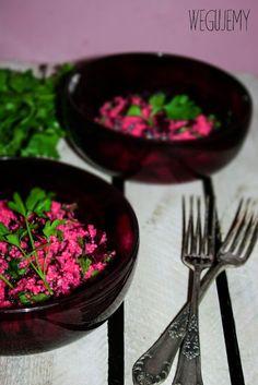 Sałatka z kuskusu z pieczonymi burakami i natką pietruszki //  Couscous salad with roasted beet and parsley leaves