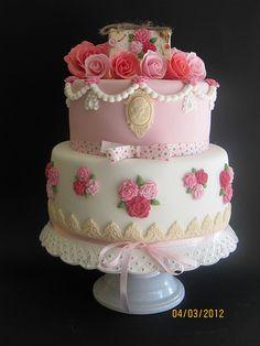Shabby Chic Cake by:Radina Savova