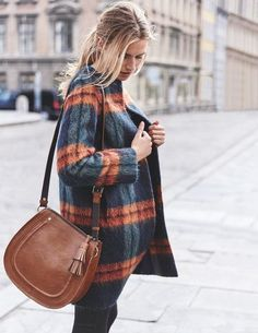 SHOP Sienna Textured Coat - gorgeous mohair fabric checked coat ideal for snuggling up for hygge time this autumn winter. Look Fashion, Fashion Outfits, Womens Fashion, Fall Winter Outfits, Autumn Winter Fashion, Mode Statements, Mein Style, Looks Street Style, Mode Inspiration