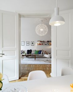 Interior Design Minimalist Living Room is completely important for your home. Whether you pick the M Modern Minimalist Living Room, Simple Living Room, Minimalist Home Decor, Living Room Modern, Home And Living, Nordic Living, Living Rooms, Minimalist Apartment, Minimalist Scandinavian
