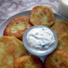 Tzatziki, Food And Drink, Potatoes, Bread, Drinks, Cooking, Party Ideas, Drinking, Kitchen