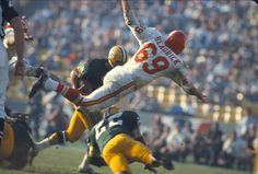 See photos from the first Super Bowl game in when the Green Bay Packers, playing under legendary coach Vince Lombardi, beat the Kansas City Chiefs. Lamar Hunt, Super Bowl I, Bart Starr, One Championship, Defensive Back, Vince Lombardi, Bowl Game, America