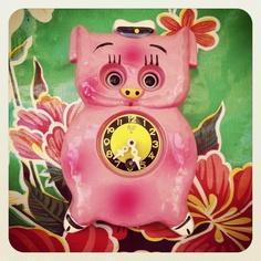 $32  Reloj de pared infantil años 80. via Bahía, confecciones, recuerdos y puestas de sol.. Click on the image to see more!