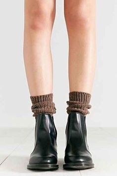 Martens Flora Chelsea Ankle Boot - Urban Outfitters Socks too Doc Martens Outfit, Chelsea Ankle Boots, Monochrome Fashion, Boating Outfit, Dress And Heels, Sock Shoes, Everyday Fashion, Me Too Shoes, Urban Outfitters
