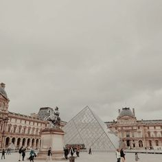 france aesthetic, louvre, architecture aesthetic, explore aesthetic, pale aesthetic, gold aesthetic pinterest || alohamoraas