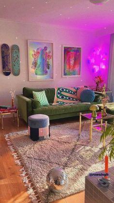 Room Design Bedroom, Room Ideas Bedroom, Indie Room Decor, Indie Living Room, Neon Room Decor, Cute Room Ideas, Pretty Room, Bedroom Vintage, Funky Bedroom