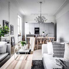 WEBSTA @ scandinavianhomes - Soon for sale! 4 rok på Birger JarlsgatanStyling @scandinavianhomes Foto @henriknero Mäklare Jörgen Olsson @ekenstam_fastighetsmaklare