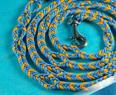 ALL IN ONE dog leash – 7' 4'' – Fully adjustable – Heavy Duty – Unique design – Paracord - Yellow and Blue