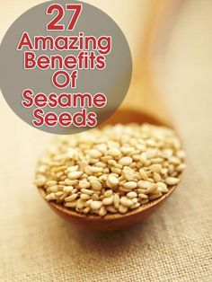 Vitamin E baby.Sesame Oil is a potent antioxidant. This oil will neutralize oxygen radicals and penetrate into the skin quickly. It is a natural antiviral, antibacterial and anti-inflammatory. Benefits Of Sesame Seeds, Vegetarian Benefits, Healthy Seeds, Anti Inflammatory Recipes, Food Facts, Natural Medicine, Healthy Snacks, Healthy Fats, Health And Nutrition