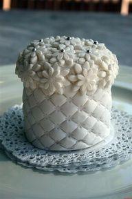 #cupcakes www.finditforweddings.com