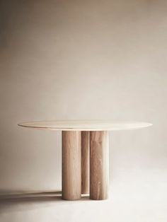 Oak Furniture The British Tradition Oak Table, Table And Chairs, Dining Tables, Dining Furniture, Furniture Design, Before After Furniture, Diner Table, Entrance Table, White Stain