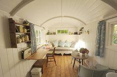 Shepherd Huts have inspiring interiors. :) Shabby chic Living Room by Roundhill Shepherd Huts